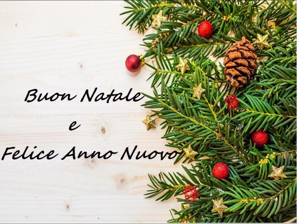 L'Associazione Mauro Giuliani – per non Sentirsi soli augura a Tutti Buone Feste.